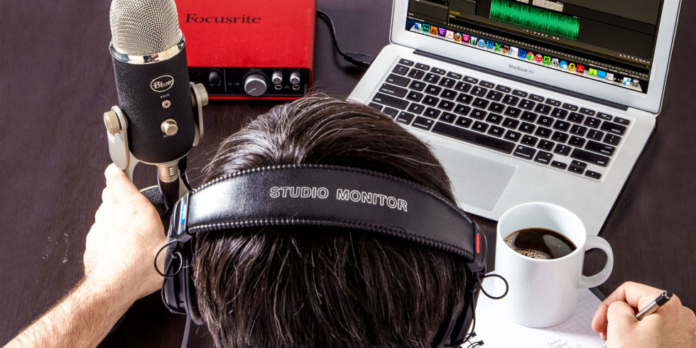 Broadcast at Home Mic Headphones Laptop - ZION Media